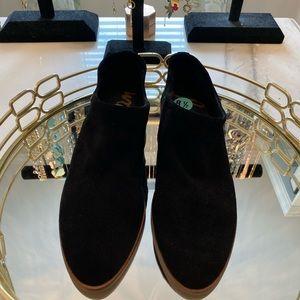 BNWT black ankle booties